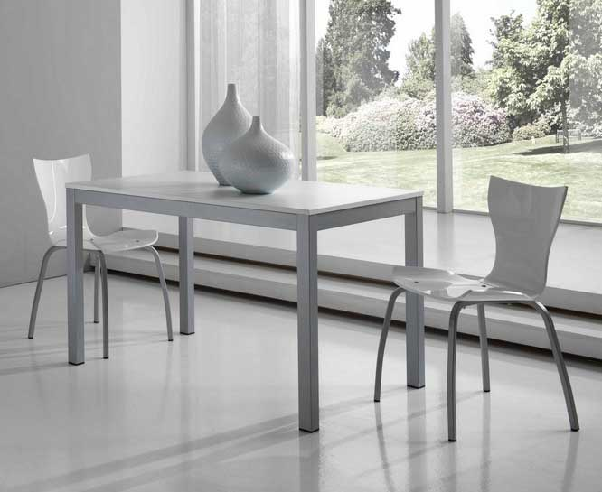 Casabella Milano dining table & chairs