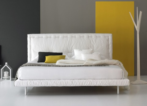 Eureka bed by Bonaldo