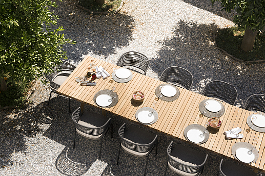 Tribu Vis à Vis garden dining table