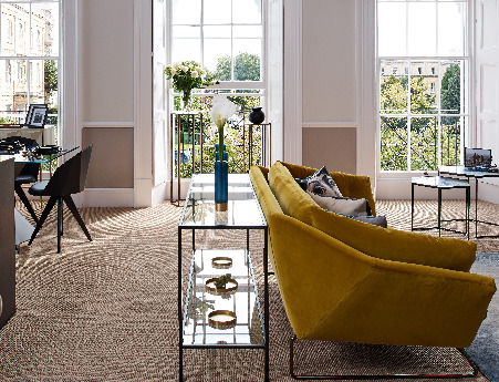 Profile of the Saba Italia New York Suite sofa
