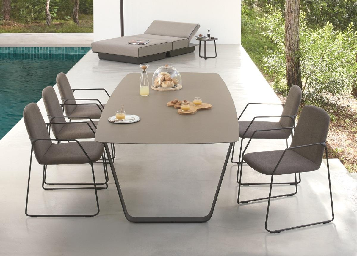Manutti Air Garden Table - Ceramic Top