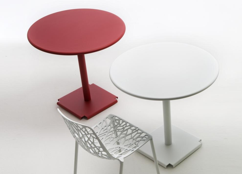 Crux Garden Table