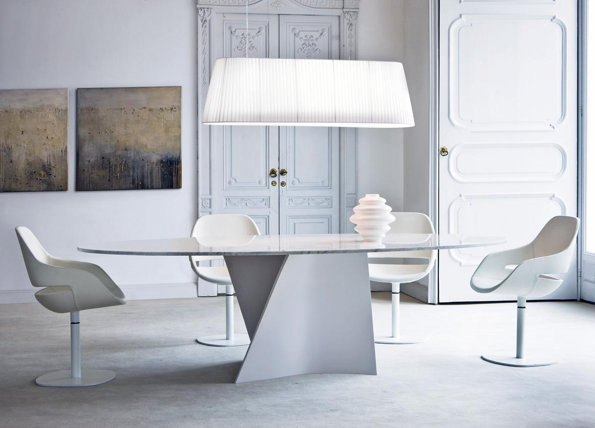 Zanotta Elica Oval Dining Table