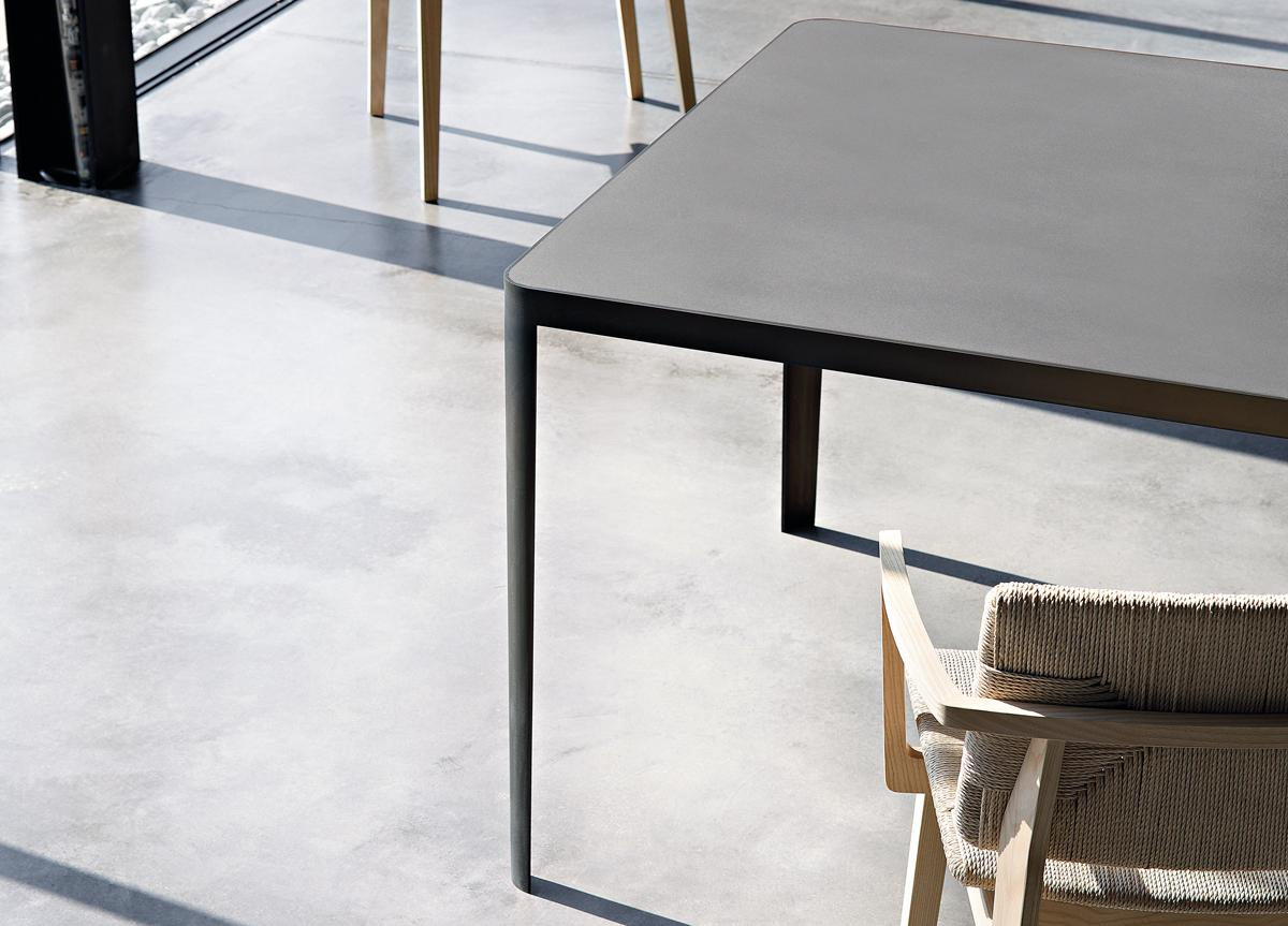 Lema Filo Dining Table