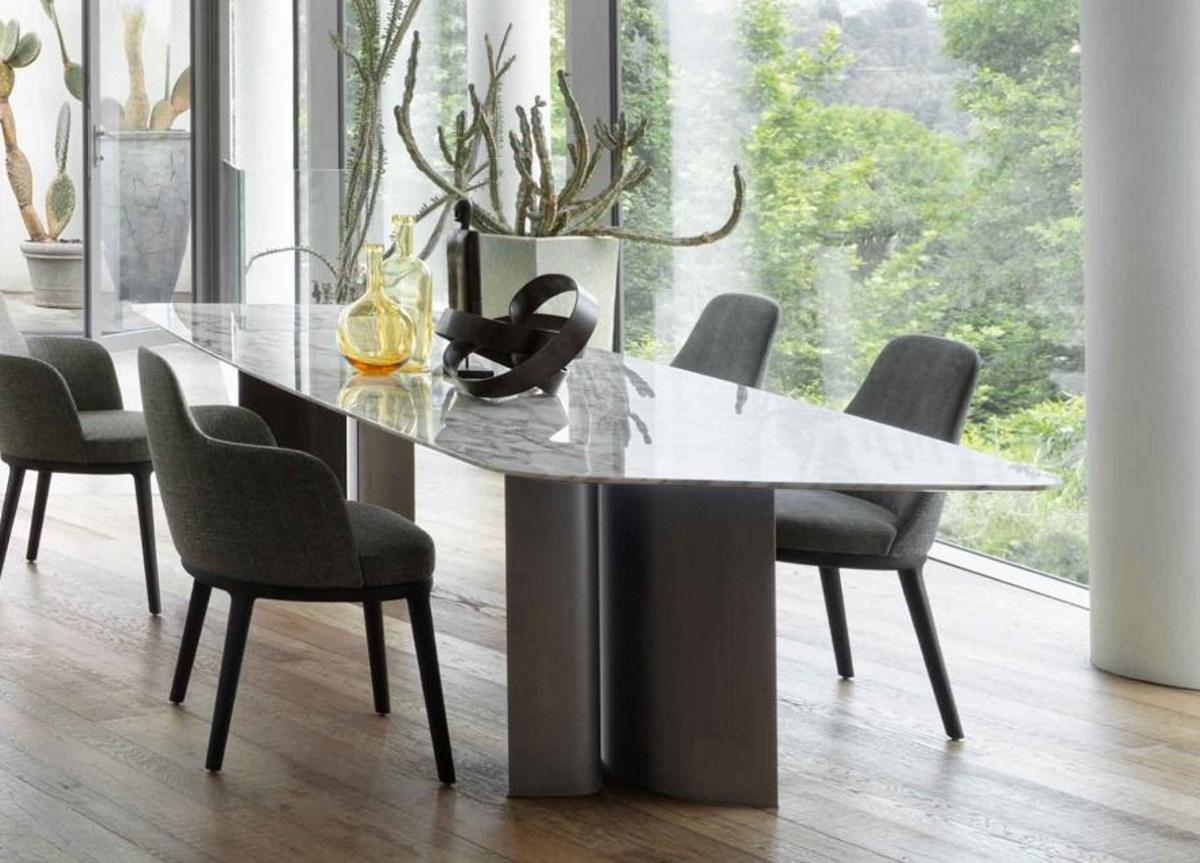 Lema Gullwing Dining Table