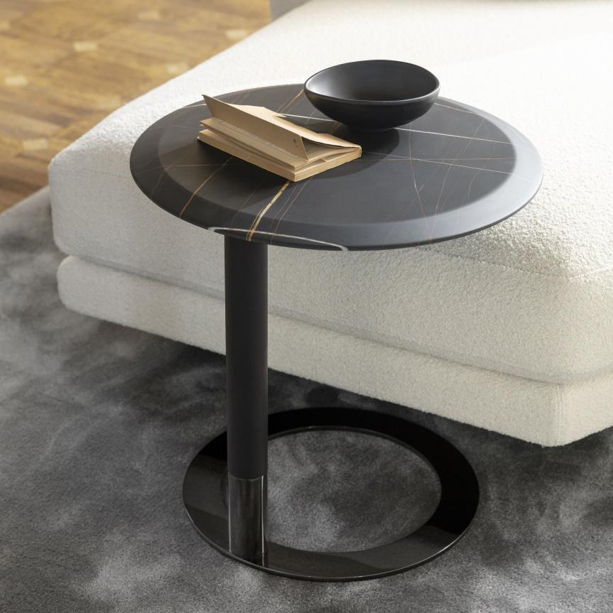 Porada Jok Side Table in Marble