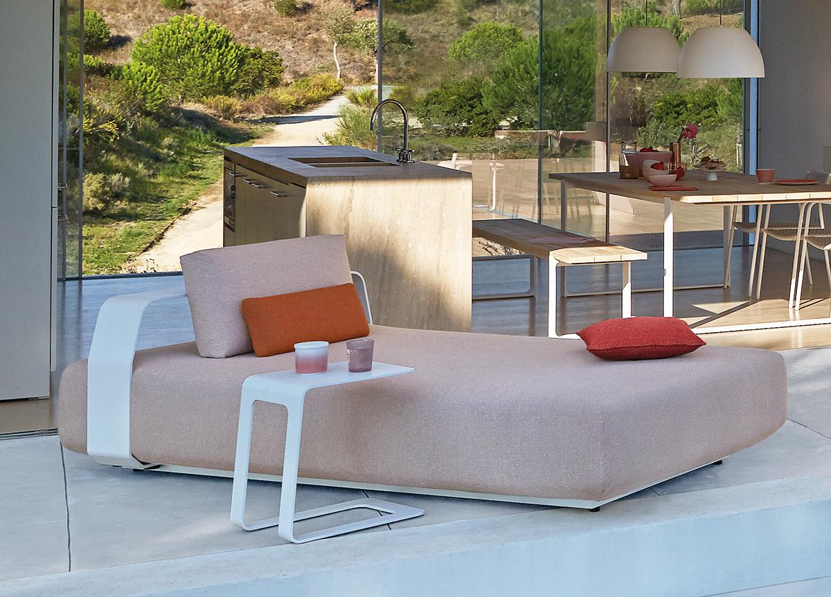 Manutti Kumo Sun Lounger with Backrest