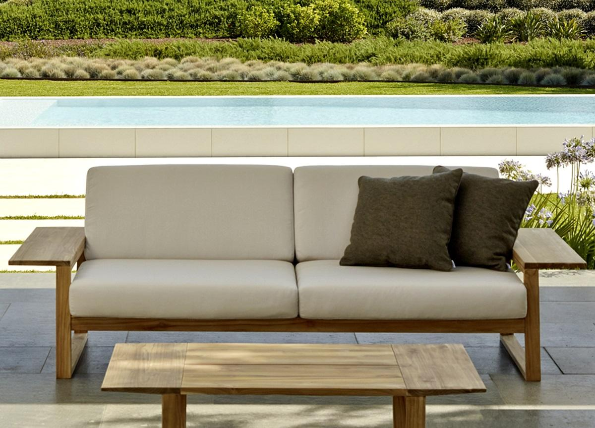 Lineal Garden Sofa