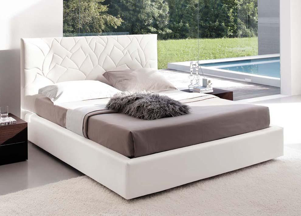 Loto Upholstered Bed