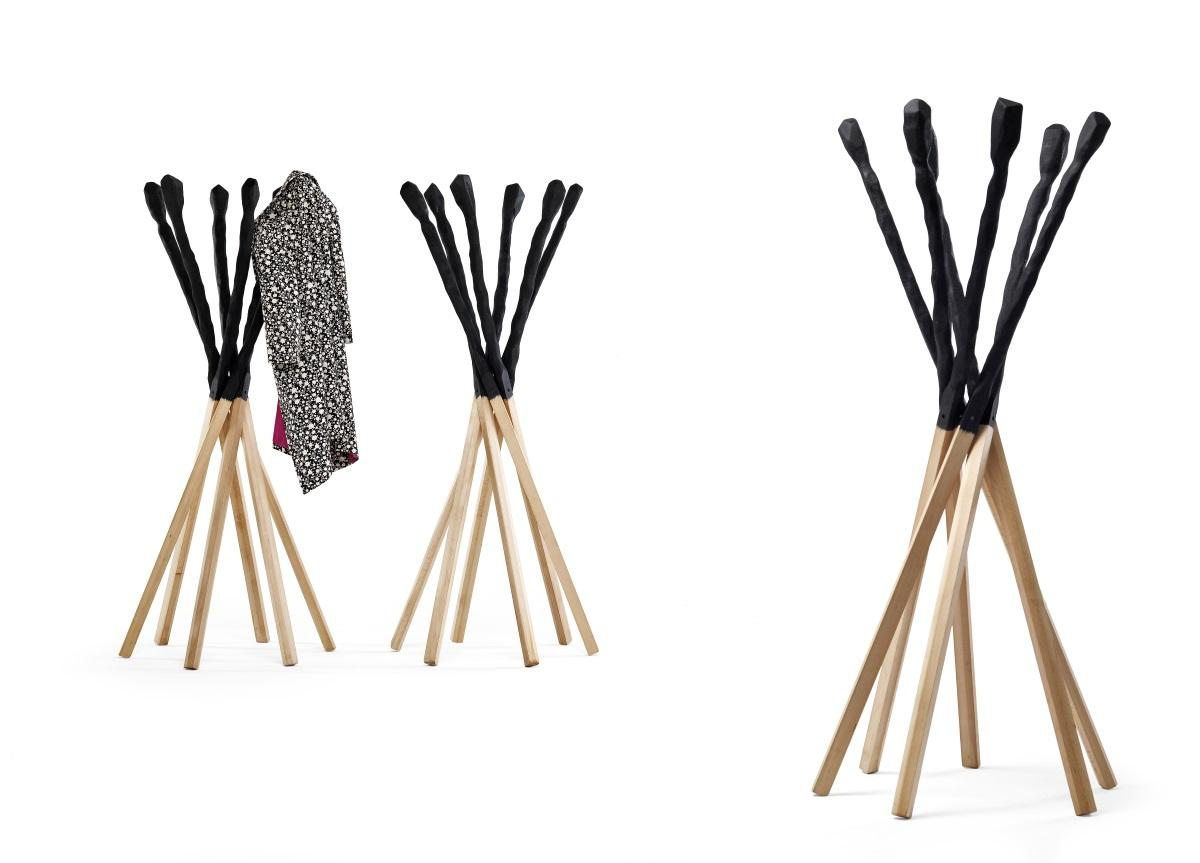 Mogg Match Clothes Stand