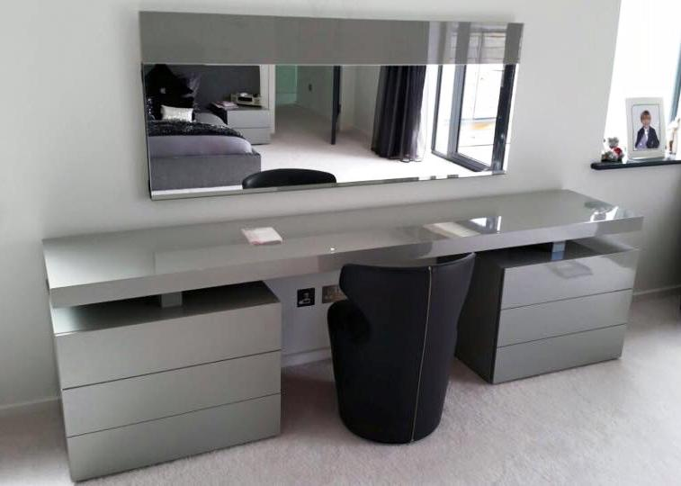 Jesse Nap Dressing Table