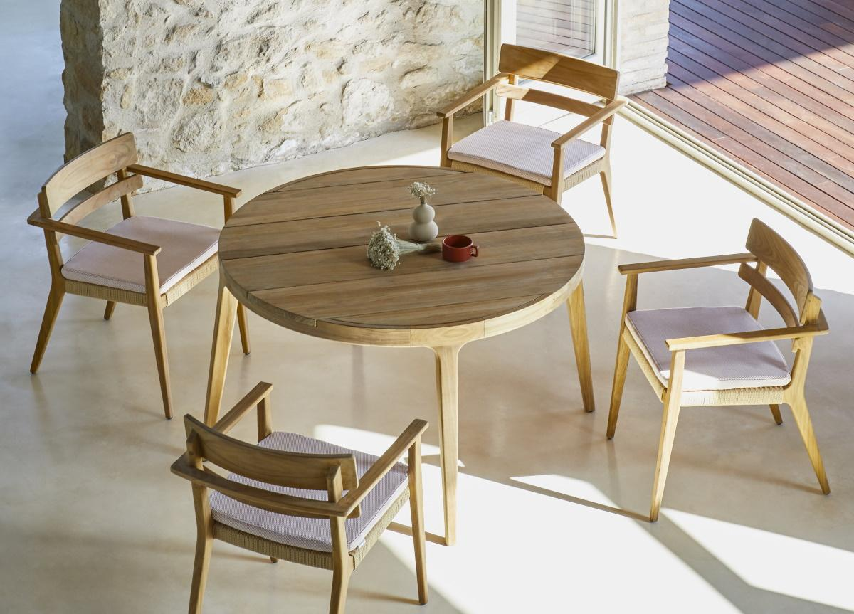 Paralel Round Garden Dining Table
