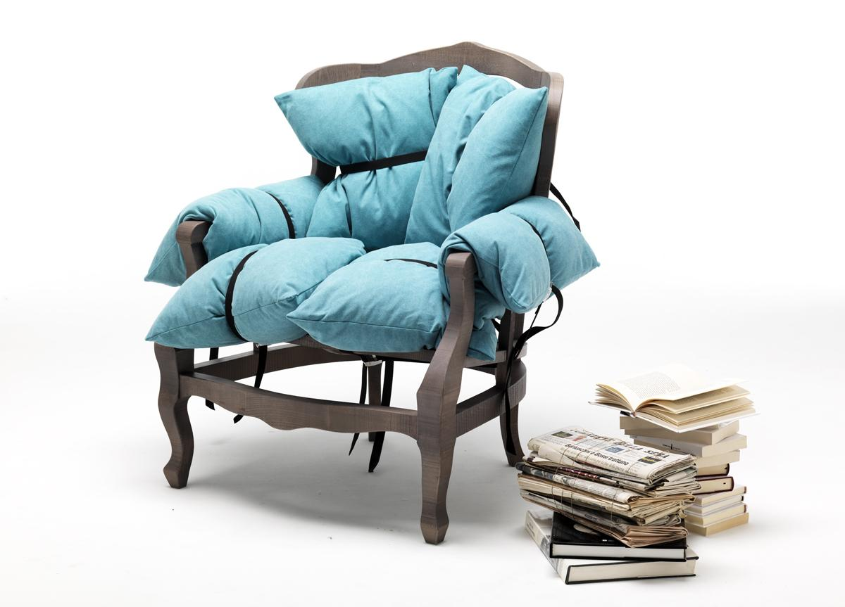 Mogg 7Pillows Armchair