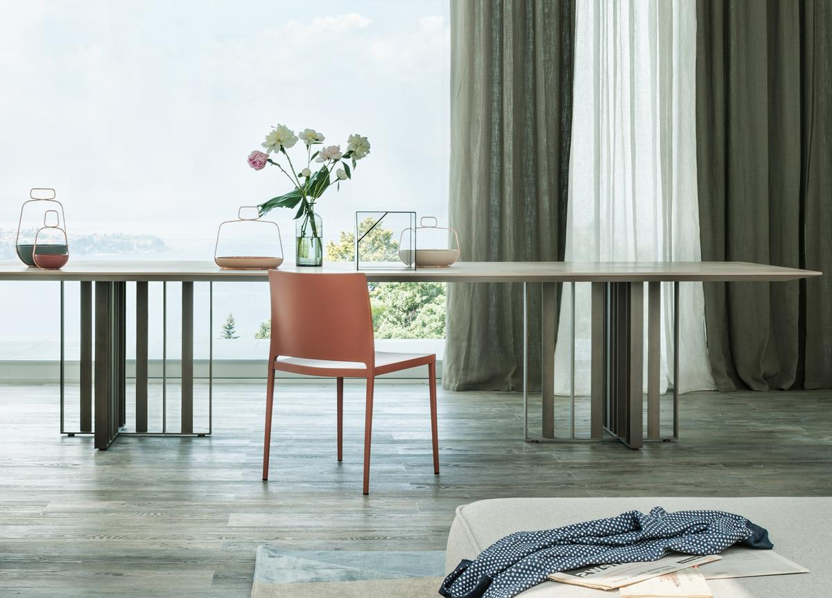 Lema Shade Dining Table