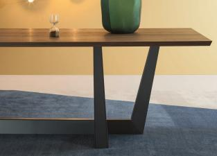 Bonaldo Art Dining Table (Large)