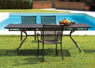 Emu Athena Extending Garden Table