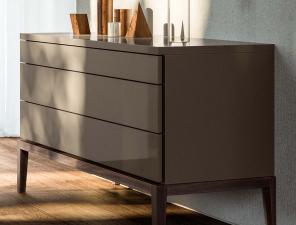 Jesse De Ville Chest of Drawers