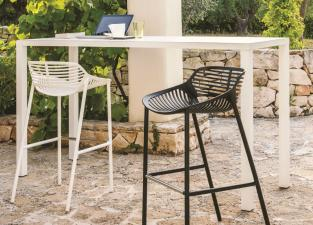 Easy Contemporary Garden Bar Table