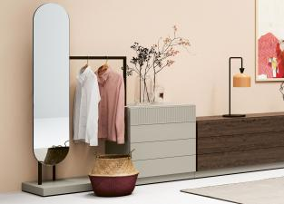 Novamobili Easy Clothes Rail with Chest of Drawers