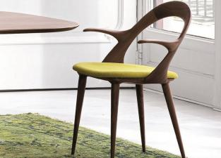 Porada Ester Carver Dining Chair