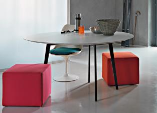 Lema Jump Round Dining Table