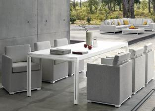 Manutti Luna Extending Garden Table