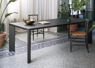Miniforms Manero Dining Table