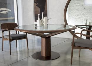 Porada Trunck Round Dining Table