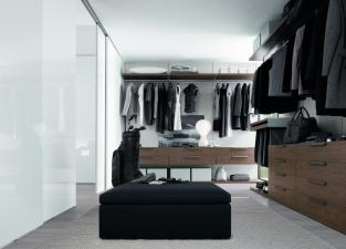 Jesse Walk In Wardrobe with Lacquer Doors