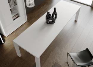 Zero Extending Dining Table